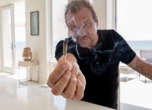 BigMike smokes